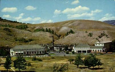 Mammoth Motor Inn - Yellowstone National Park, Montana MT Postcard