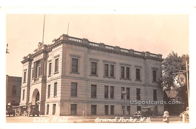 City Hall - Grand Forks, North Dakota ND Postcard