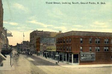 Third St. - Grand Forks, North Dakota ND Postcard