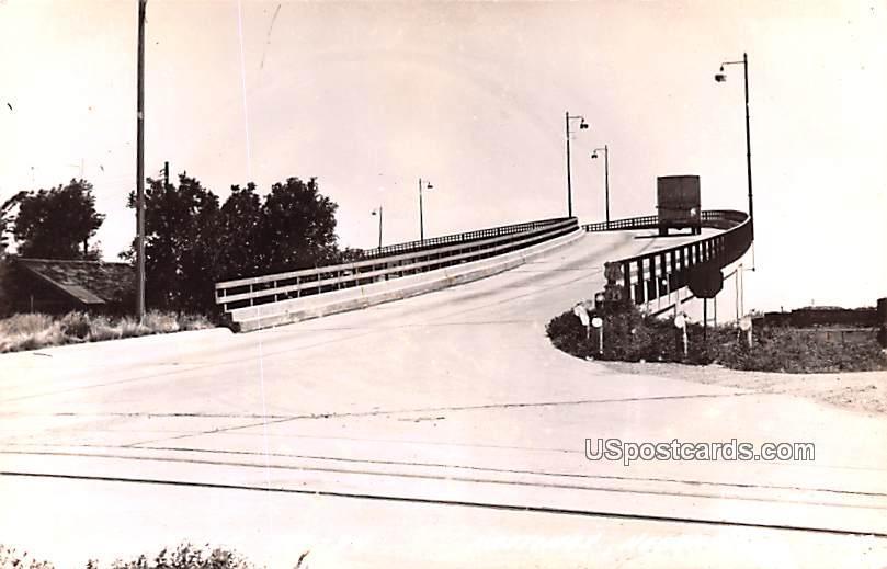 Viaduct - Hastings, Nebraska NE Postcard