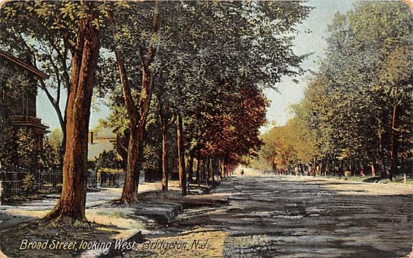 Board Street, looking West Bridgeton, New Jersey Postcard