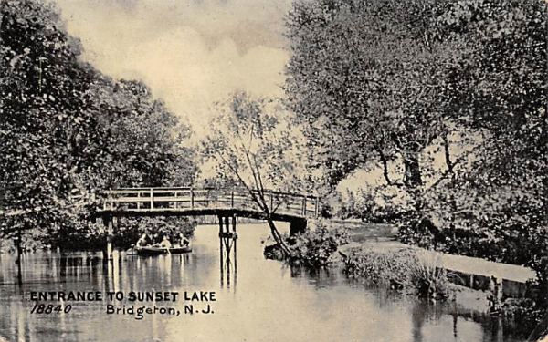 Entrance to Sunset Lake Bridgeton, New Jersey Postcard
