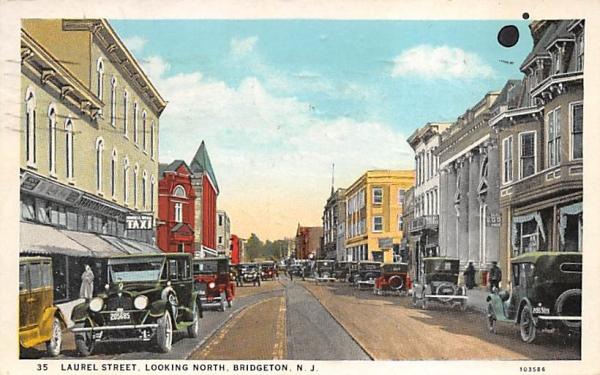 Laurel Street, Looking North Bridgeton, New Jersey Postcard