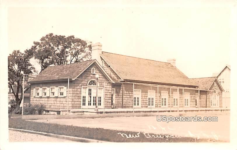 New Jersey Court - New Brunswick Postcard