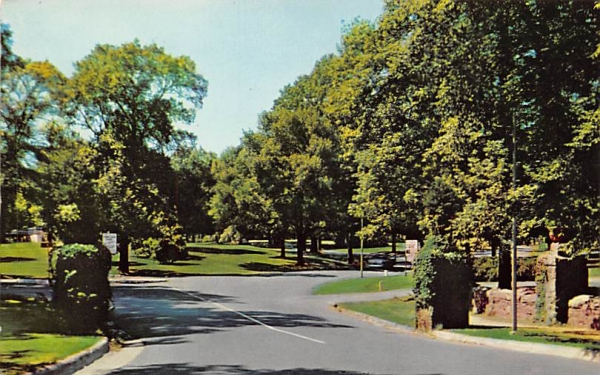 Entrance to Cadwalader Park Trenton, New Jersey Postcard