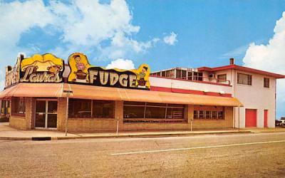 Laura's Fudge Shop Wildwood, New Jersey Postcard