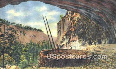 Kiva, Ancient Cliff Dwellers - Frijoles Canyon, New Mexico NM Postcard