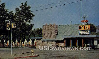 Scott Shady Court - Winnemucca, Nevada NV Postcard