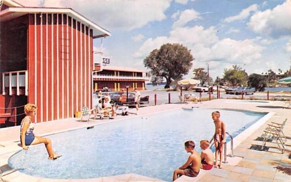 Capt Thomson's Motor Lodge Alexandria Bay, New York Postcard