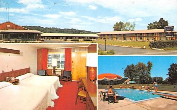 Harriman Travelers Lodge Central Valley, New York Postcard