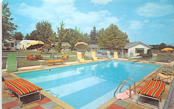 Evergreens Motel Canandaigua, New York Postcard