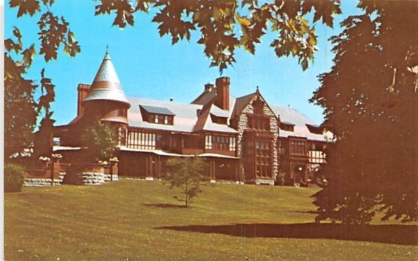 Mrs. FF Thompson's Summer Cottage Canandaigua, New York Postcard