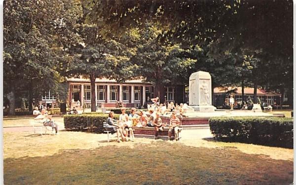 Bestor Plaza & Colonnade Chautauqua, New York Postcard