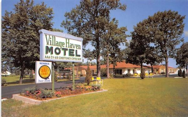 Village Haven Motel Clarence, New York Postcard