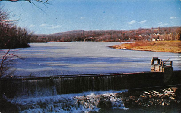Upper Heights Lake Ellenville, New York Postcard
