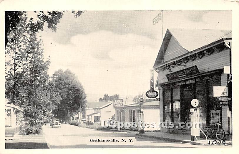 Street Scene - Grahamsville, New York NY Postcard