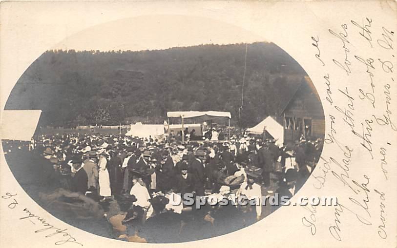 Crowd - Grahamsville, New York NY Postcard
