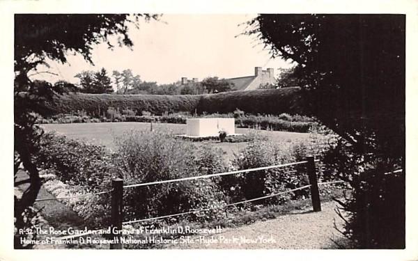 Rose Garden & Grave of Franklin D Roosevelt Hyde Park, New York Postcard