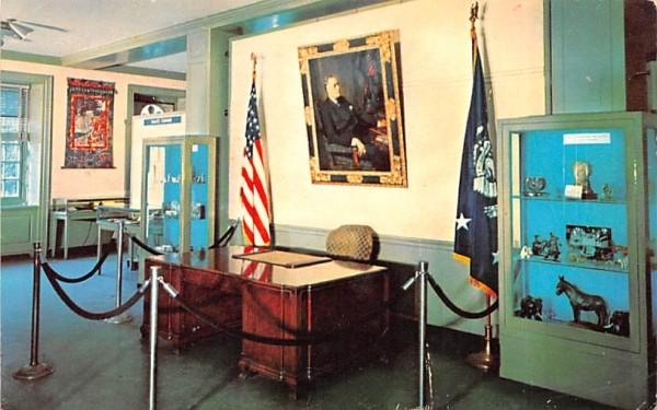 FD Roosevelt Library & Museum Hyde Park, New York Postcard