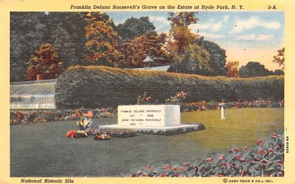 Franklin Delaon Roosevelt's Grave Hyde Park, New York Postcard