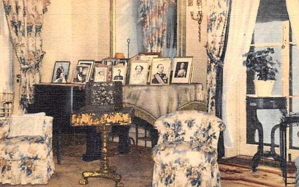 Roosevelt Home Hyde Park, New York Postcard