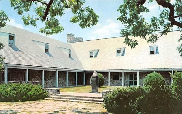 Franklin D Roosevelt Library & Museum Hyde Park, New York Postcard
