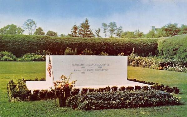 Grave of Franklin D Roosevelt Hyde Park, New York Postcard
