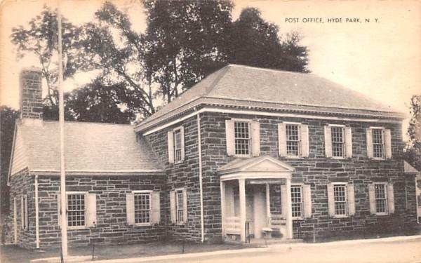 Post Office Hyde Park, New York Postcard