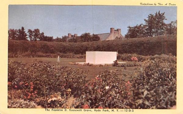 Franklin D Roosevelt's Grave Hyde Park, New York Postcard