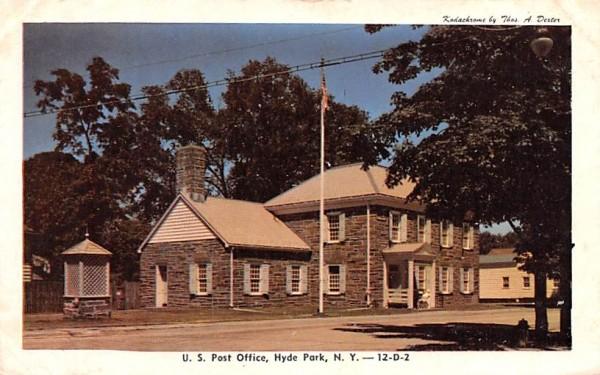 US Post Office Hyde Park, New York Postcard