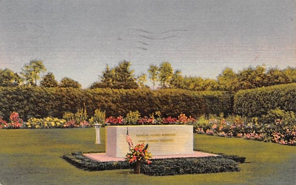 Resting Place of Franklin D Roosevelt Hyde Park, New York Postcard