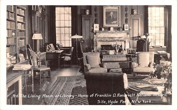 Living Room Hyde Park, New York Postcard