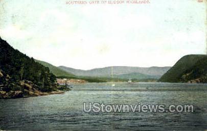 Southern Gate - Hudson, New York NY Postcard