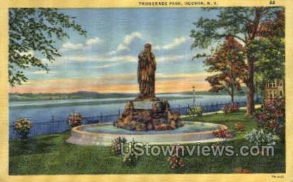 Promenade Park - Hudson, New York NY Postcard