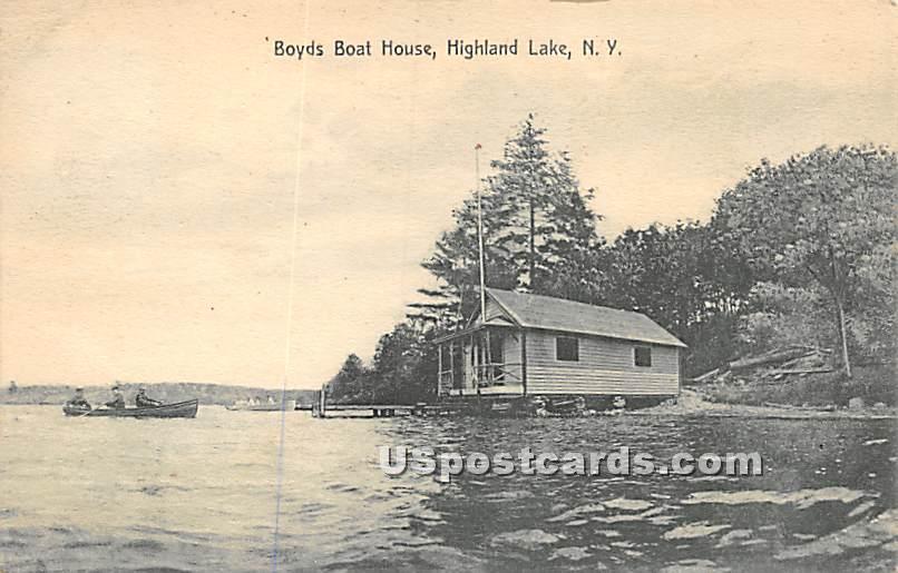 Boyds Boat House - Highland Lake (Venoge, New York NY Postcard