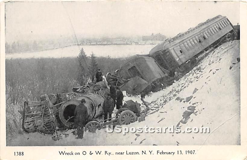 Wreck on O & W Ry near Luzon - Hurleyville, New York NY Postcard