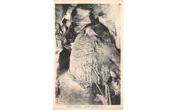 Great Beehive Howe Caverns, New York Postcard