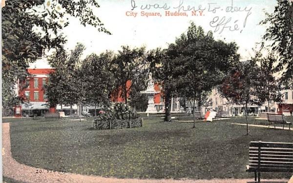 City Square Hudson, New York Postcard