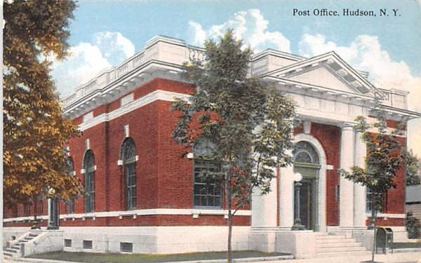Post Office Hudson, New York Postcard