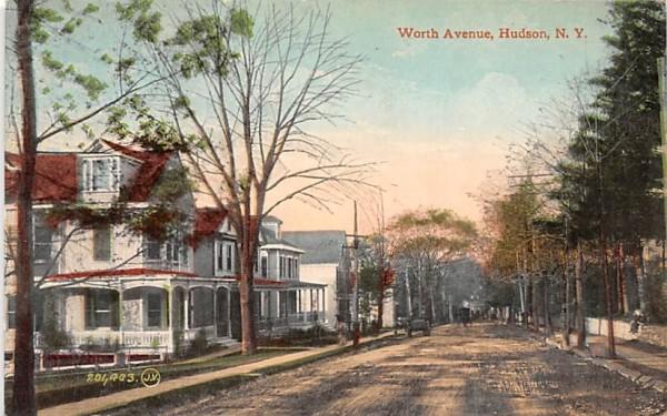 Worth Avenue Hudson, New York Postcard