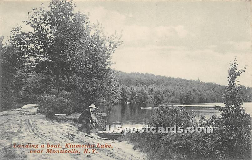 Landing a Boat - Kiamesha Lake, New York NY Postcard