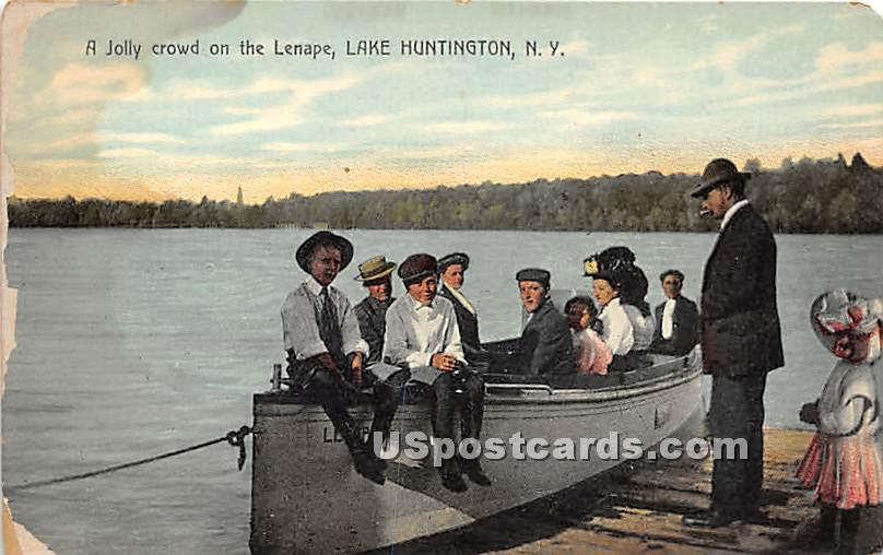 Jolly Crowd on the Lenape - Lake Huntington, New York NY Postcard