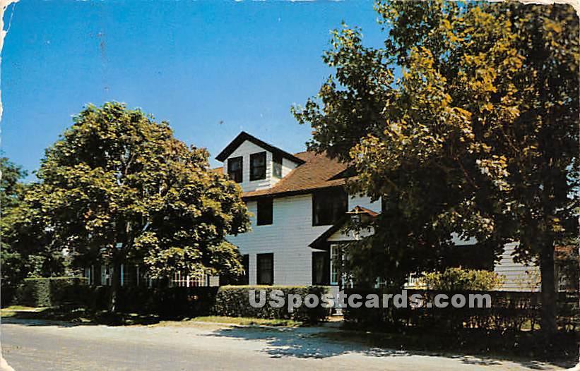 Howell House Club Westhampton Beach - Long Island, New York NY Postcard