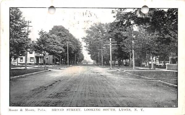 Broad Street Lyons, New York Postcard
