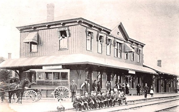NY Ontario & Western Station Middletown, New York Postcard