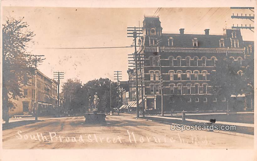 South Broad Street - Norwich, New York NY Postcard