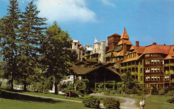Putting Green Mohonk Mountain House New Paltz, New York Postcard