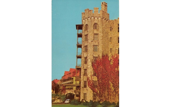 Front Entrance Mohonk MT House New Paltz, New York Postcard