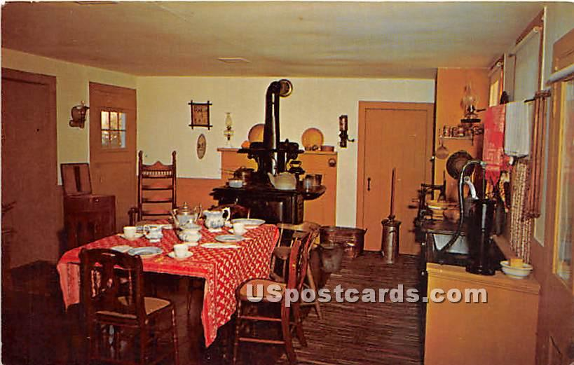 Country Kitchen, Village House, Orient - New York NY Postcard