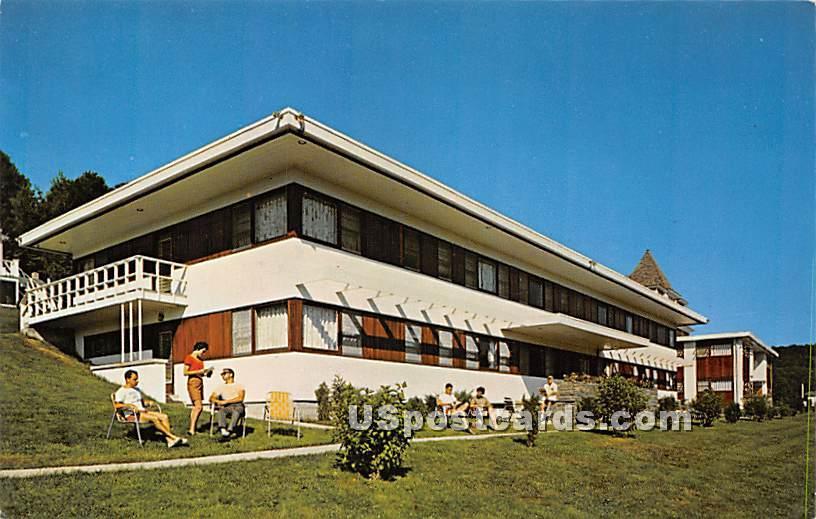 Paramount Hotel - Parksville, New York NY Postcard